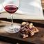 Veja como comemorar o dia do cacau com um bom vinho