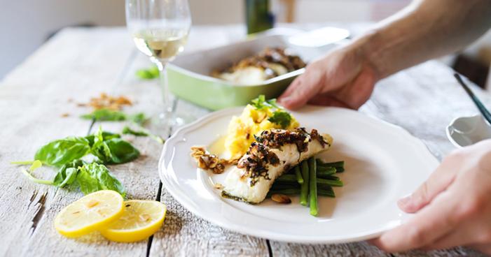 Entenda como harmonizar vinhos com peixes