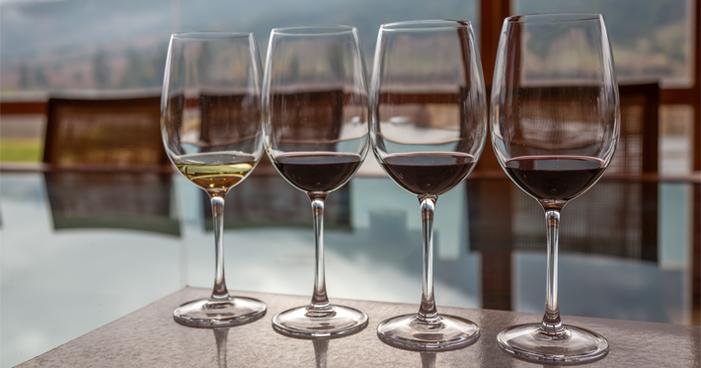 Degustação de vinhos: passo a passo para uma experiência incrível