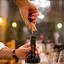 Tudo sobre vinhos: conheça os tipos de rolhas e seus efeitos