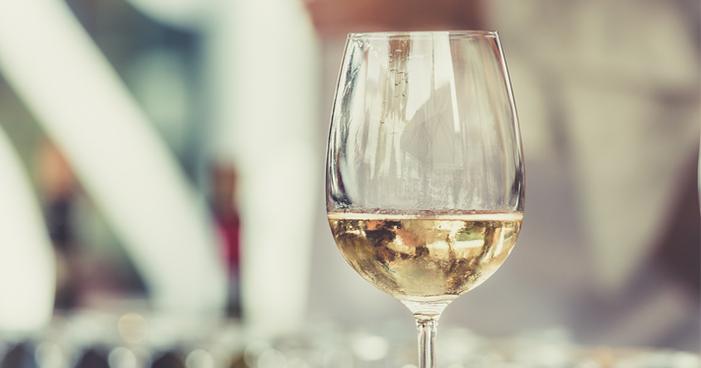 Vinhos de verão: conheça os 10 melhores rótulos para a época