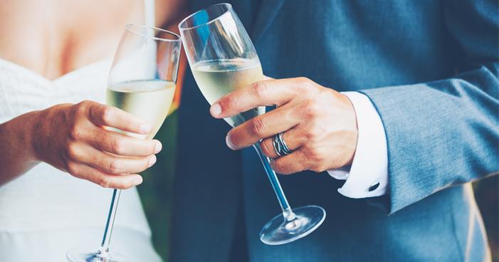 Espumante para casamento: entenda como escolher