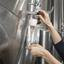 Saiba como funciona a degustação de vinhos durante o processo de elaboração