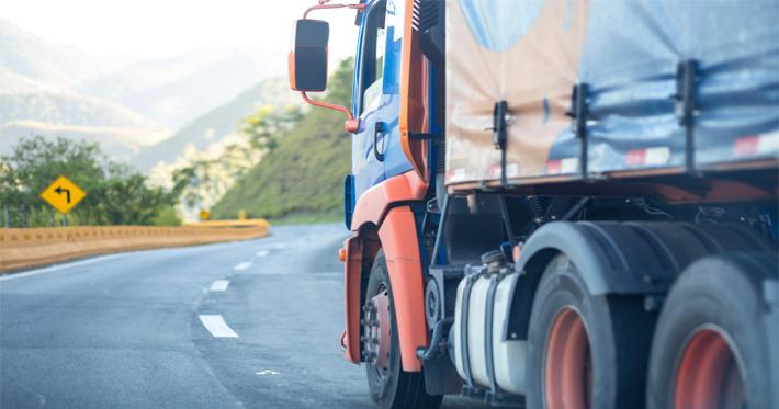 Lona para caminhão: 5 dicas para escolher a melhor para sua carreta