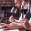 Degustação de vinhos: por que algumas pessoas os bochecham?