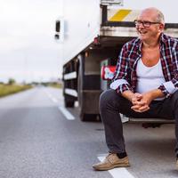 Estabilidade financeira para caminhoneiros: como conseguir a sua?